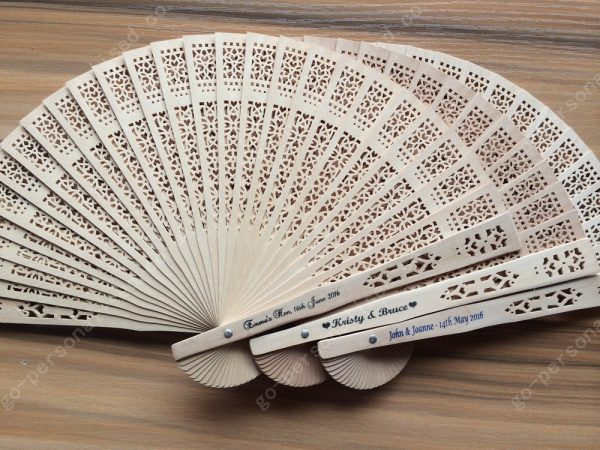 customized-sandalwood-fans-bulk-cheap-graduation-presents-reunion-party-gifts-wedding-favours