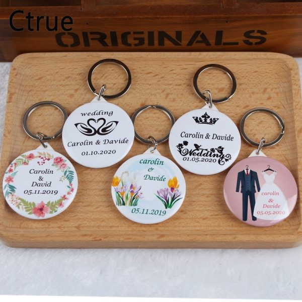 50pcs-Personalized-name-date-Keychain-with-Mirror-Custom-Wedding-Favors-And-Gifts-Wedding-Gifts-For-Guests-1