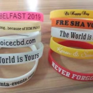 Personalized rubber bracelets bulk small gifts for party guests