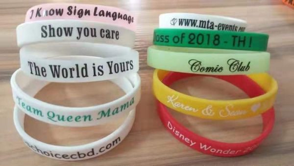cheap-silicone-wristbands-free-shipping-holiday-unique-client-gift-ideas